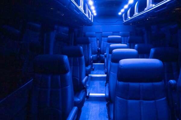 Van in Black Luxury 14 Van